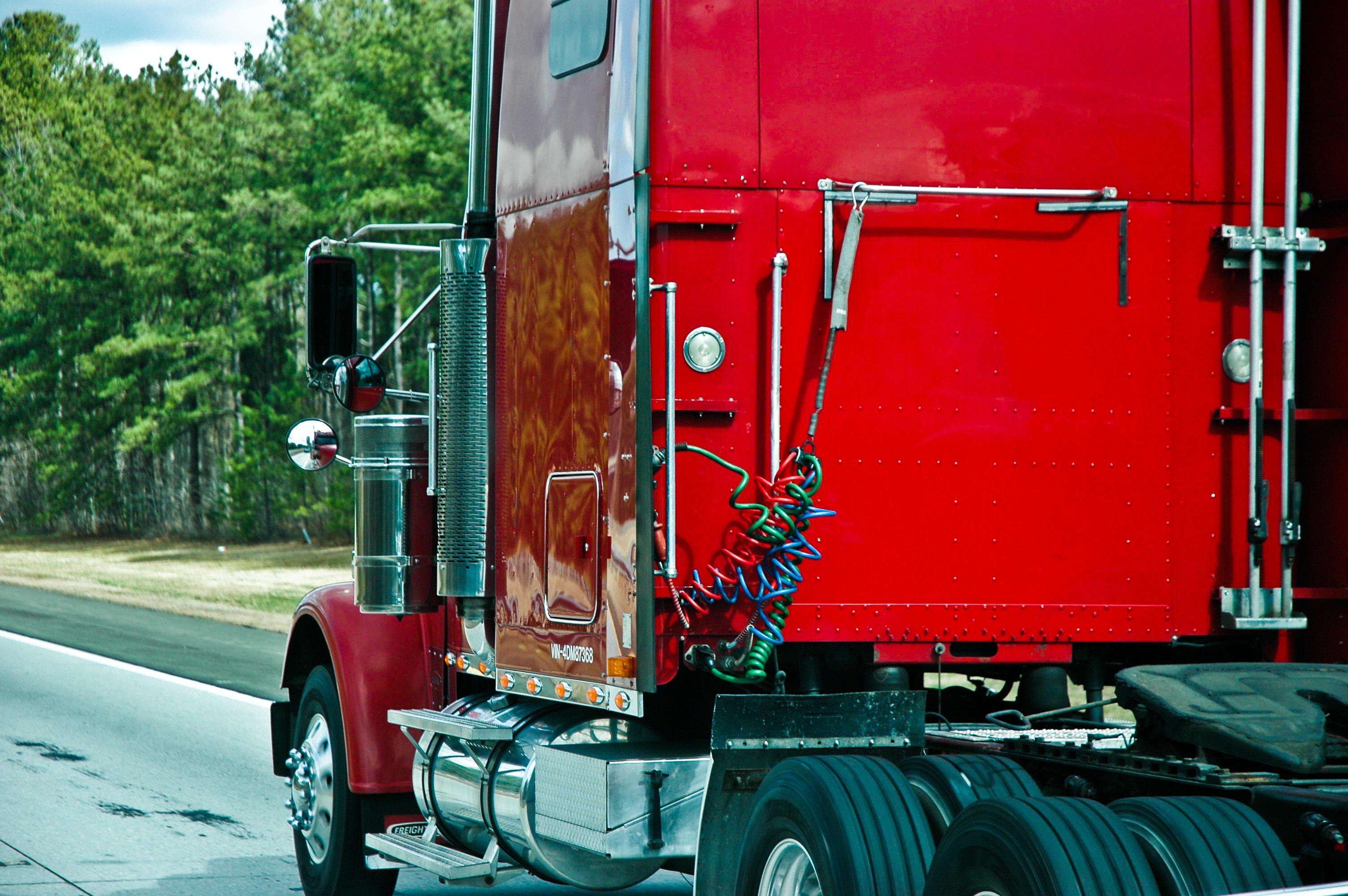 Tractor Trailer Clutches : Doggy tractor trailerin oceandoggy